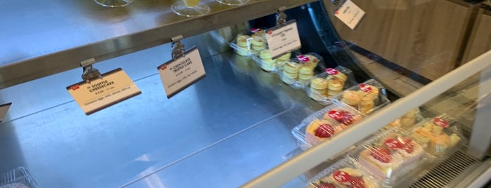 85°C Bakery Cafe - Frisco is one of Michaelさんのお気に入りスポット.