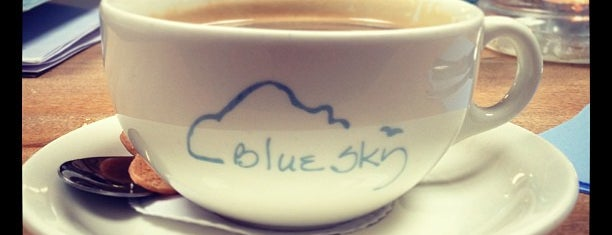 Blue Sky Cafe Ty Bwyta is one of Lugares favoritos de Carl.
