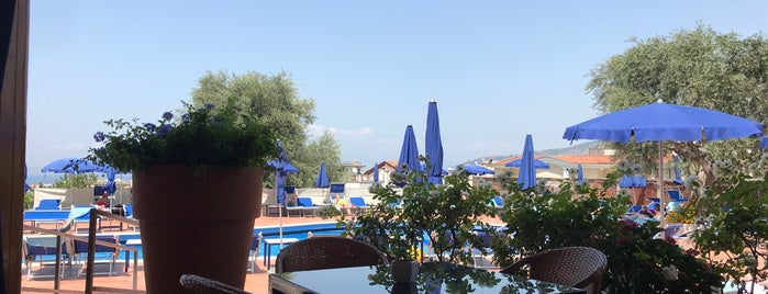 Pool at Hilton Sorrento Palace is one of Italie.