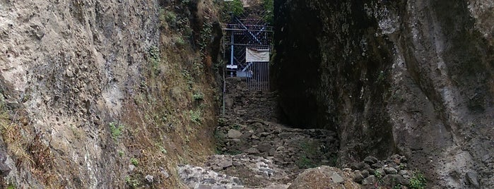 El Cerro del Tepozteco is one of Lugares favoritos de Yair.