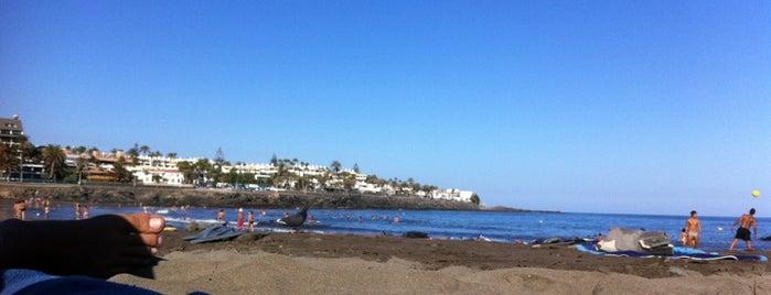 Playa de Las Burras is one of Lugares favoritos de Elena Y Argeo Winelovers.