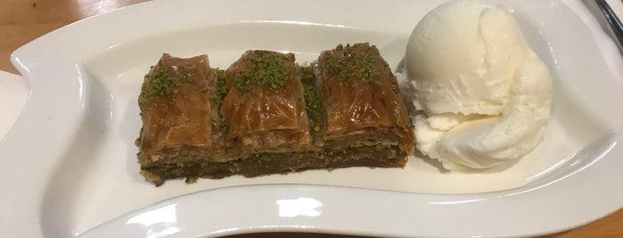 Truva Cafe & Grill is one of Orte, die Deniz gefallen.