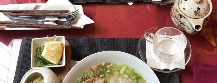 Hanoi Vietnam Restaurant is one of Benedek'in Kaydettiği Mekanlar.