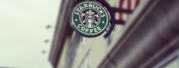 Starbucks is one of Locais curtidos por Waleed.