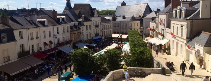 Amboise is one of Jas' favorite urban sites.