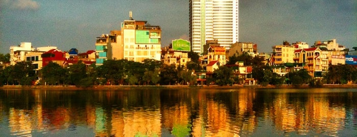 Hồ Tây (West Lake) is one of Jas' favorite urban sites.