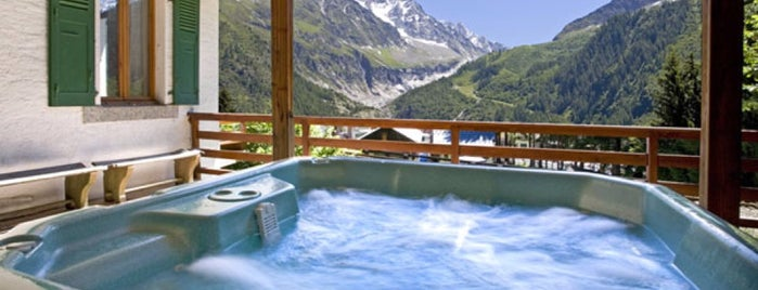 My Hot Tub is one of Yunusさんのお気に入りスポット.