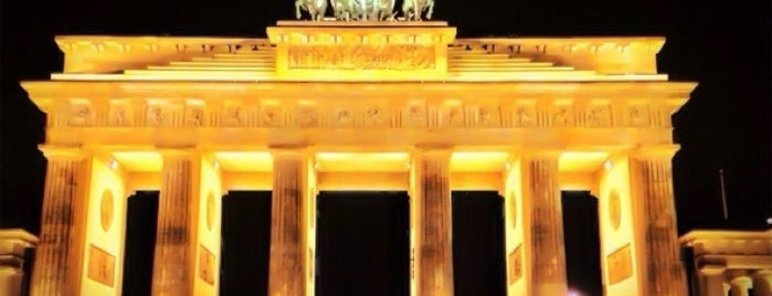Brandenburger Tor is one of Go Ahead, Be A Tourist.