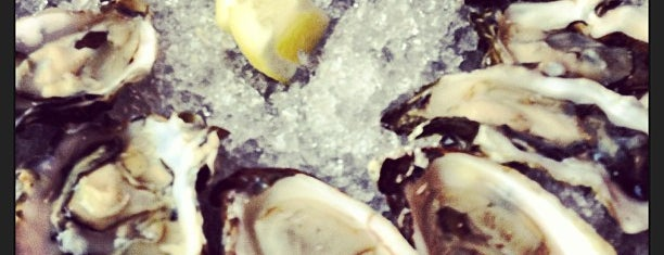 EaT: An Oyster Bar is one of Oregon.