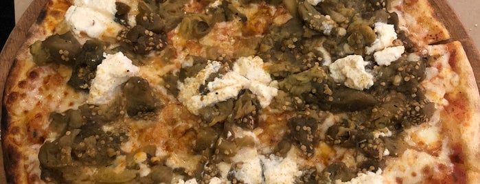 Pizza Locale is one of Posti che sono piaciuti a Mahmut.
