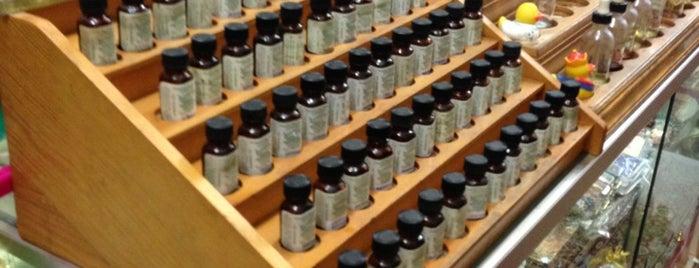Fragrance Shop New York is one of Tempat yang Disimpan Steve.