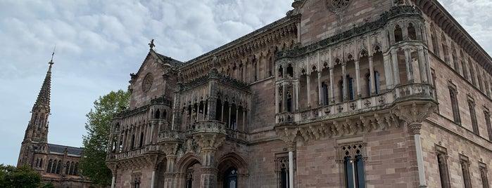 Palacio de Sobrellano is one of Les chemins de Compostelle.