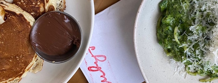 Ruby's Café is one of Do: NYC ☑️🆕.