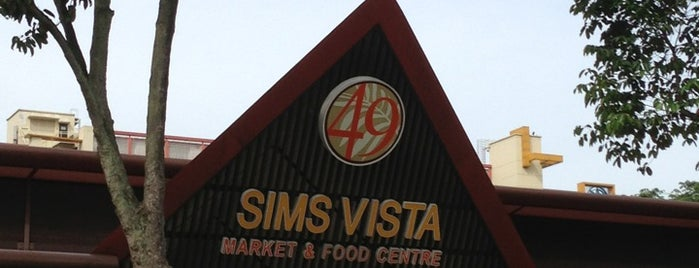 Sims Vista Market & Food Centre is one of Lieux qui ont plu à Ian.