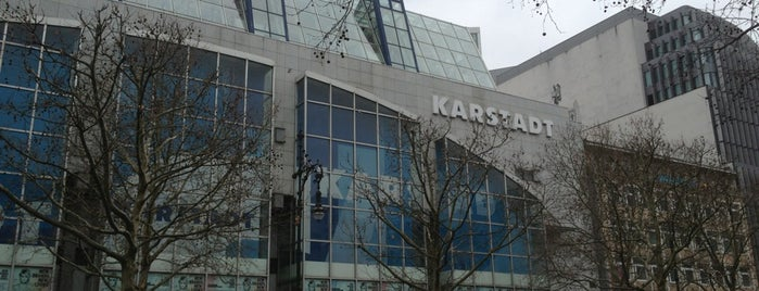 Galeria Karstadt Kaufhof is one of Lieux qui ont plu à Pelin.