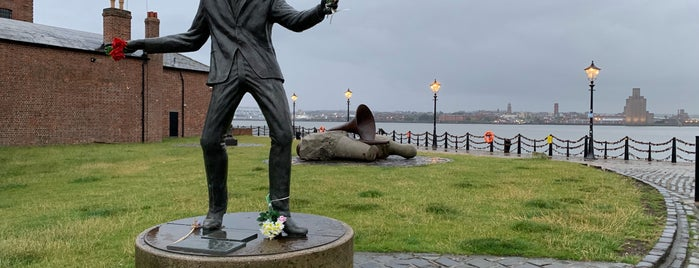 Billy Fury statue is one of Tempat yang Disimpan Tristan.