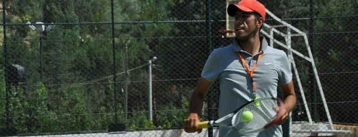 Raket Tennis Club is one of สถานที่ที่บันทึกไว้ของ Muberra.