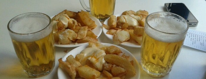 Bar Tomás is one of Patatas Bravas de Barcelona.