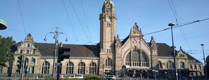 Krefeld Hauptbahnhof is one of Bahnhöfe.