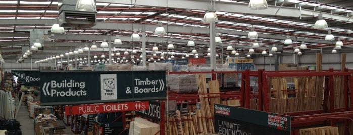 Bunnings Warehouse is one of Mike'nin Beğendiği Mekanlar.