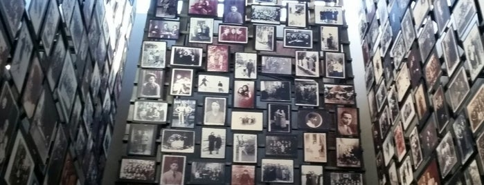 United States Holocaust Memorial Museum is one of Lieux qui ont plu à J..