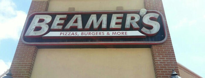 Beamer's Pizza And Burgers is one of Tempat yang Disukai J..