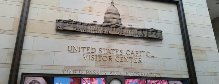 U.S. Capitol Visitor Center is one of Tempat yang Disukai J..