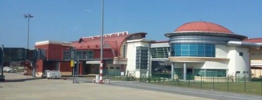 Sultan Abdul Halim Airport (AOR) is one of internatiınal airport.
