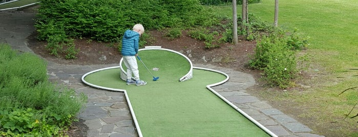 Minigolf Parc Josaphatpark is one of Can 님이 좋아한 장소.