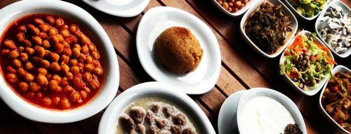 Kaloni Ayvalık Restaurant is one of Anadolu yakası.