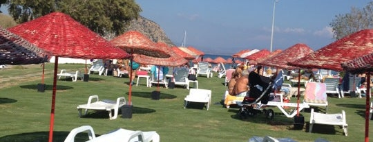 İncir Beach is one of Severimmm.
