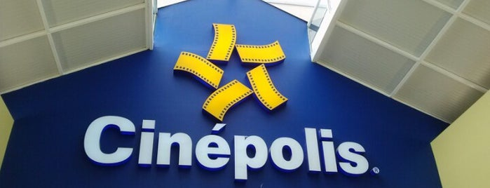 Cinépolis is one of Locais curtidos por Alfonso.