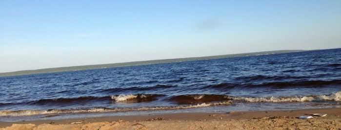 Пляж Нижний Услон is one of Lugares favoritos de Ruslan.