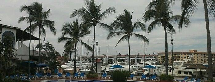 Flamingo Vallarta Hotel & Marina is one of Lugares favoritos de Laura.