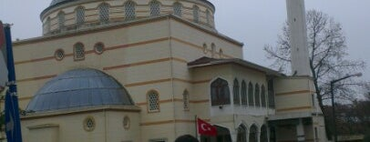 Şenlikköy Camii is one of Erayさんのお気に入りスポット.