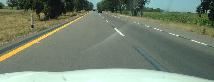 Autopista Mazatlán - Culiacán is one of Tempat yang Disukai Ana.
