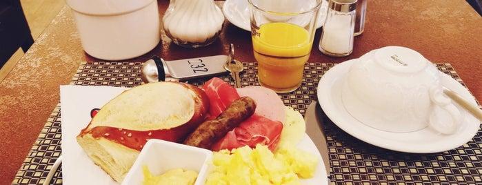 Frühstücksraum | Hotel Strauss is one of Ich bin eine Globetrotterin.