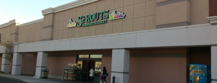 Sprouts Farmers Market is one of Ricardo 님이 좋아한 장소.