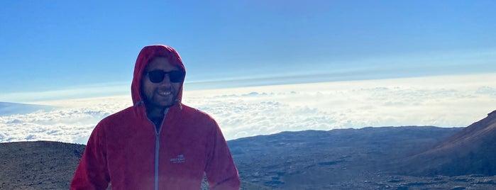 Mauna Kea Summit is one of Tempat yang Disukai Vlad.