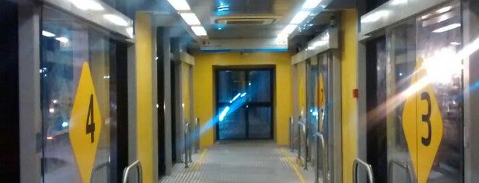 BRT Via Livre - Estação Derby is one of Pontos de localização.