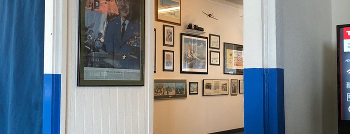 Oakland Aviation Museum is one of Museums & Libraries.