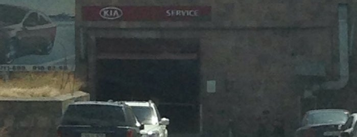 KIA Motors is one of สถานที่ที่ Syuzi ถูกใจ.