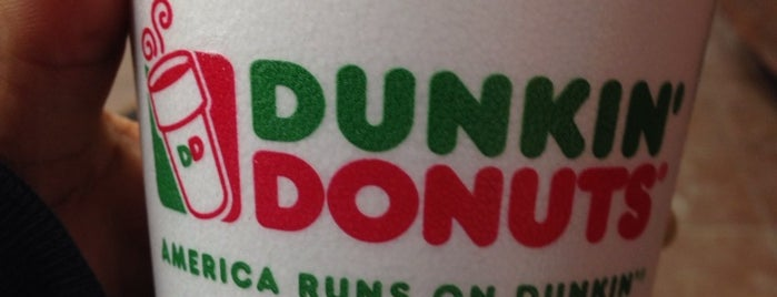 Dunkin' is one of Lugares favoritos de Jesse.