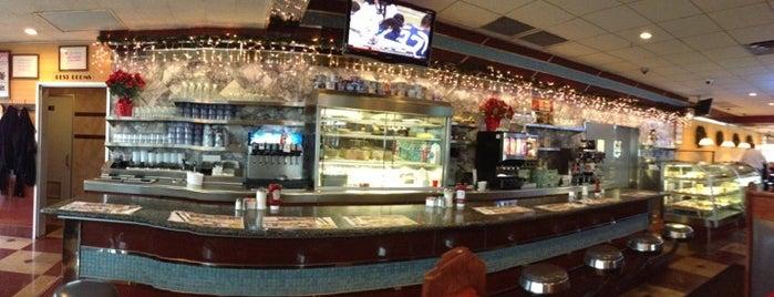 Metropolis Diner is one of Tempat yang Disukai Danny.
