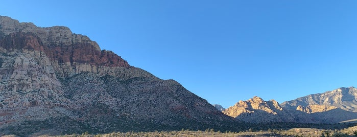 Red Rock Canyon National Conservation Area is one of Tempat yang Disukai Alfred.