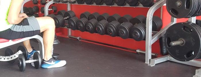 Snap Fitness 24/7 Topacio is one of สถานที่ที่ Sergio Alejandro ถูกใจ.