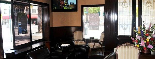 Bo's Cigar Lounge is one of Orte, die Sergey gefallen.