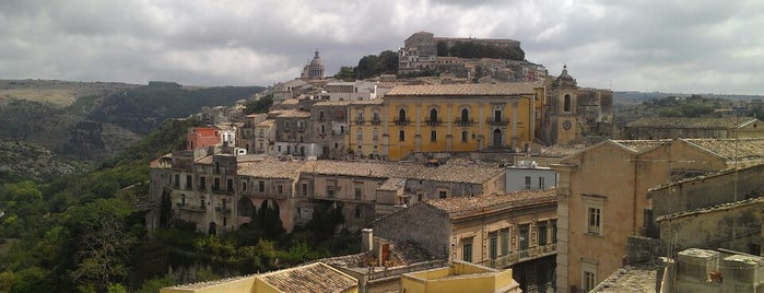 Ragusa is one of Italia.