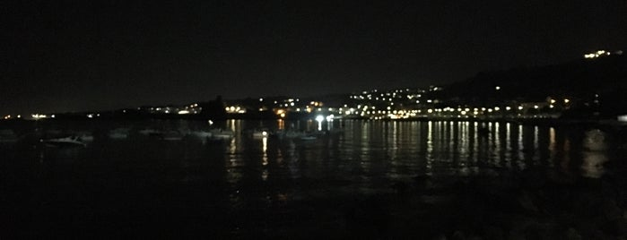 Spiaggia di Acitrezza is one of Gilce Elaine 님이 좋아한 장소.