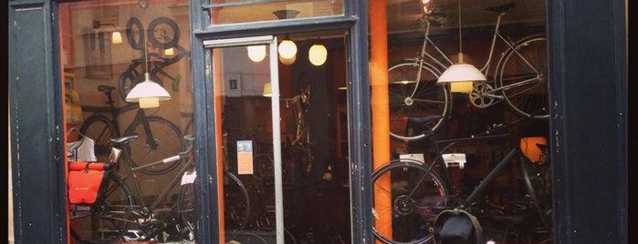 Les Vélos Parisiens is one of Bikeshops Paris 🚲.